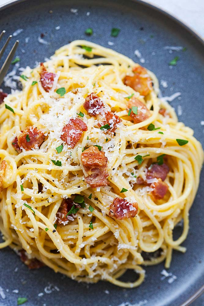 Top down shot of spaghetti carbonara pasta.